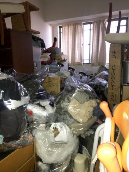 現場レポート・ビフォー世田谷区ゴミ屋敷の清掃依頼